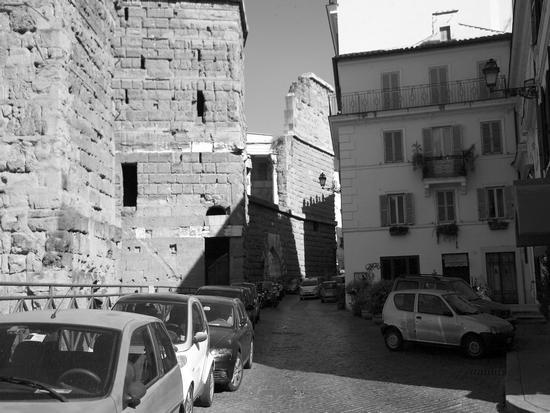 Le macchine sono un pugno in un occhio - Roma (1524 clic)