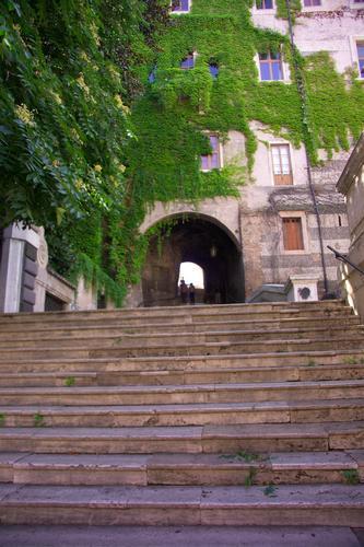 La scala che porta a San Pietro in Vincoli - Roma (2285 clic)