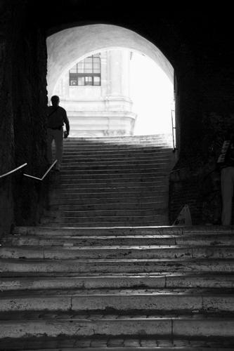 La scala che porta a San Pietro in Vincoli_02 - ROMA - inserita il 02-Sep-10