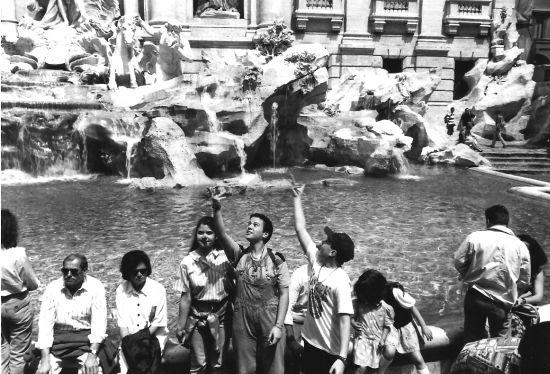 Turisti a Roma (2434 clic)