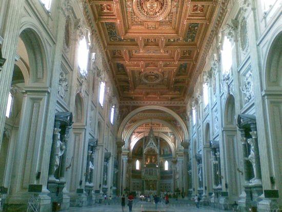 Interno Basilica San Giovanni in Laterano_02 - Roma (1662 clic)
