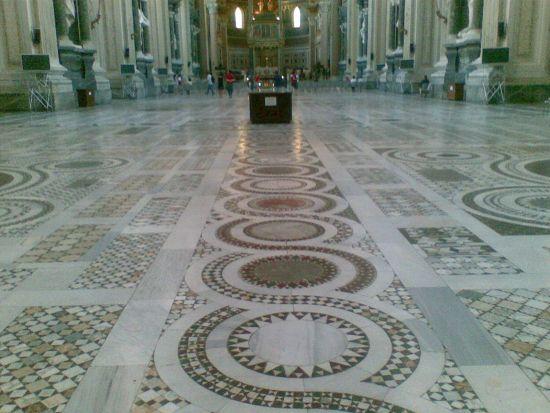 Interno Basilica San Giovanni in Laterano_03 - Roma (1332 clic)