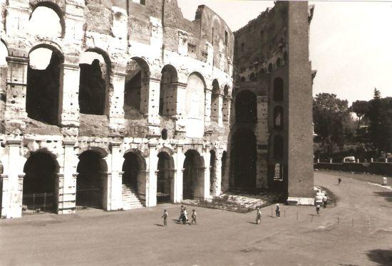 Il Colosseo nel 1995 - Roma (1737 clic)