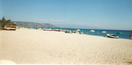 Una spiaggia da Tropici - Soverato (2598 clic)