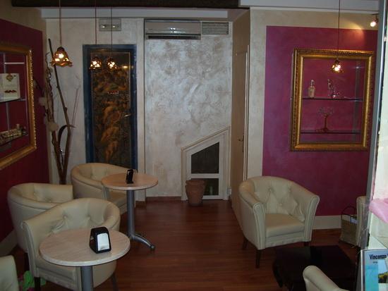 Il salotto di un Bar_02 - Velletri (1374 clic)