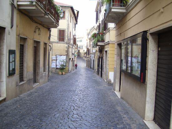 Il Corso verso il Trivio - Velletri (2007 clic)