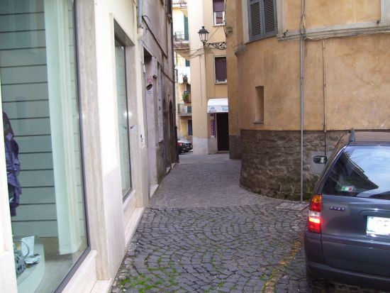 Un vicoletto verso Piazza Mariani - Velletri (2257 clic)