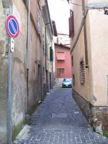 Una viuzza  - Velletri (1049 clic)