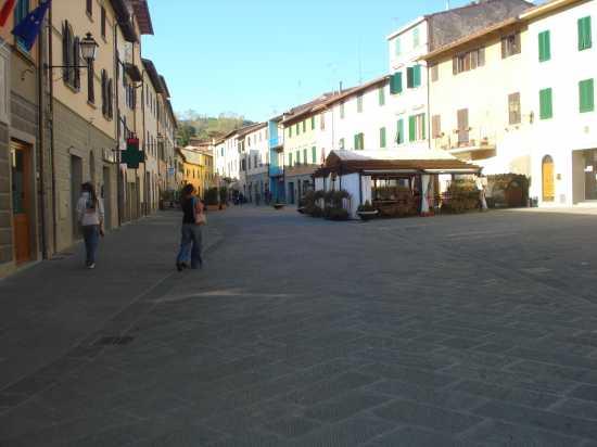 PIAZZA DI GAIOLE IN CHIANTI (SI) - Randazzo (1359 clic)