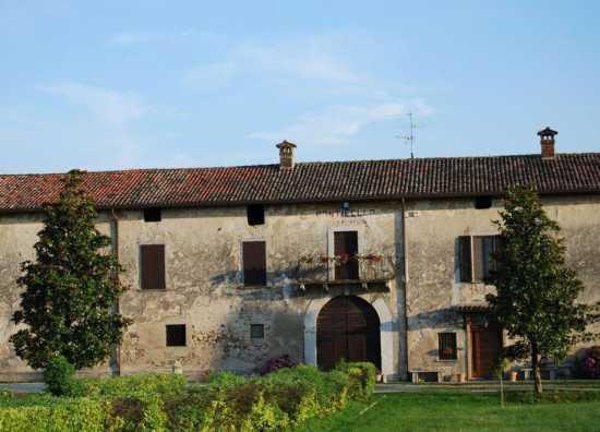 Pozzolengo (Bs) Lago di Garda - Cascina Ponticello (2918 clic)