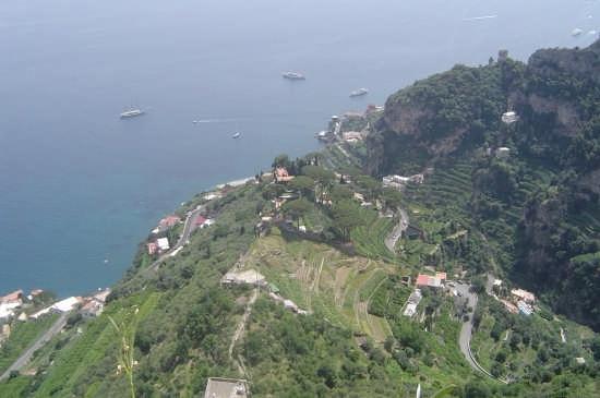 Ravello da Villa Cimbrone - RAVELLO - inserita il 14-Jun-07