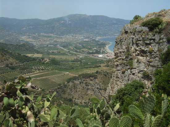 Belvedere di Patti dal colle di Tindari (Roccafemmina) (4270 clic)