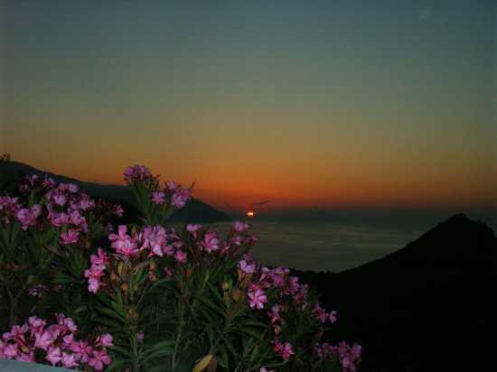 Tramonto sul golfo di Patti (4642 clic)