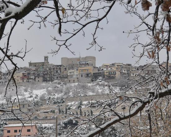 Sant'Angelo Romano Sotto la neve 2012 (2743 clic)
