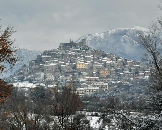 Montecelio Sotto la neve 2012 (4033 clic)