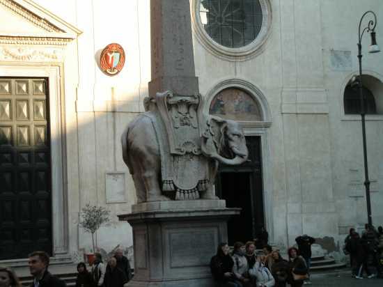 Piazza S. Maria Sopra Minerva - Roma (1776 clic)