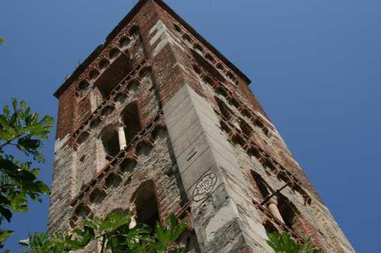 campanile della Chiesa di San Bartolomeo - Gorra (2427 clic)