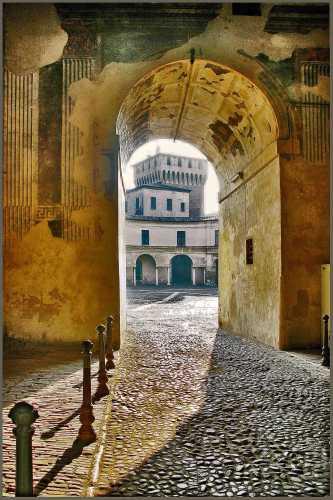 Mantova - Ingresso a Piazza Castello  (2810 clic)