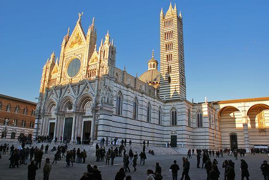 Ultima luce dell'anno sul Duomo - Siena (5320 clic)