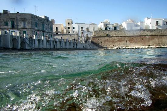 spiaggia centro storico monopoli - MONOPOLI - inserita il 13-Oct-14