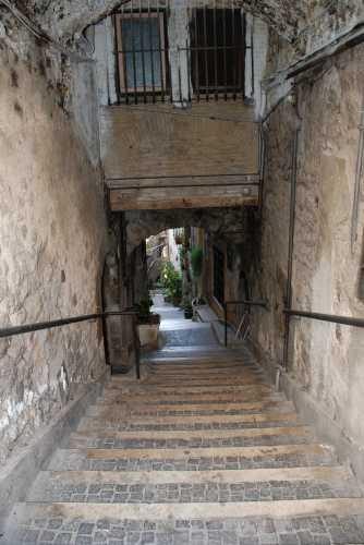 Arco e scale - Fiuggi (2084 clic)