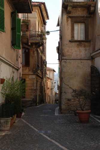 Scorcio nel centro storico di Fiuggi. (2974 clic)