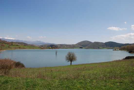 Al lago. - Fiuggi (2393 clic)