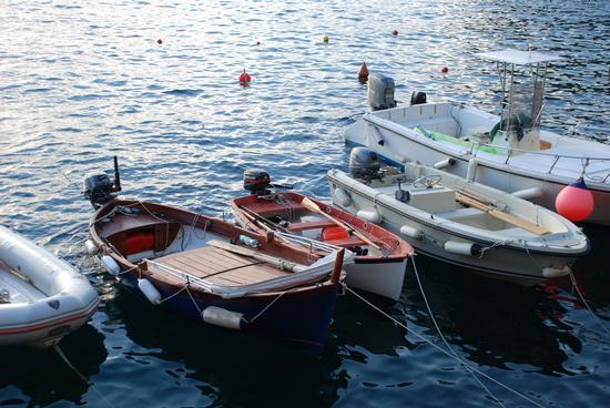 Barche al molo.  - MANAROLA - inserita il 01-Nov-10