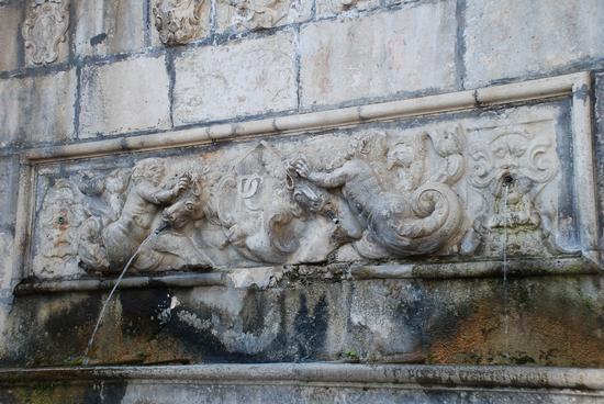 Fontana a Pescocostanzo. (1621 clic)