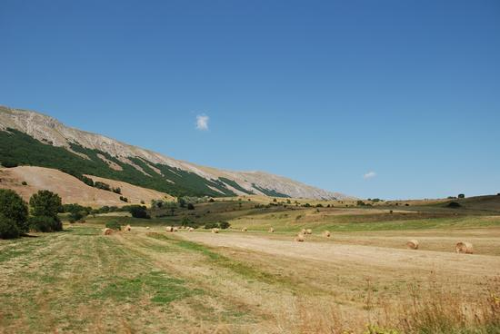 Pescocostanzo, paesaggio.  (1793 clic)