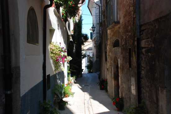 Centro storico di Pacentro (2151 clic)