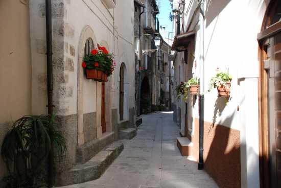 Centro storico di Pacentro (2229 clic)
