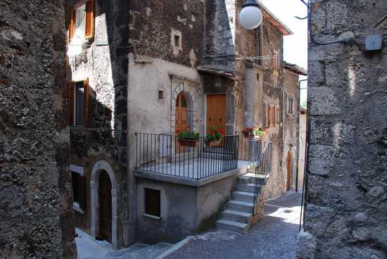 Ambiente urbano  - Scanno (1663 clic)