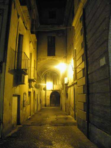 Scorcio teramano in centro storico. - TERAMO - inserita il 02-Sep-09