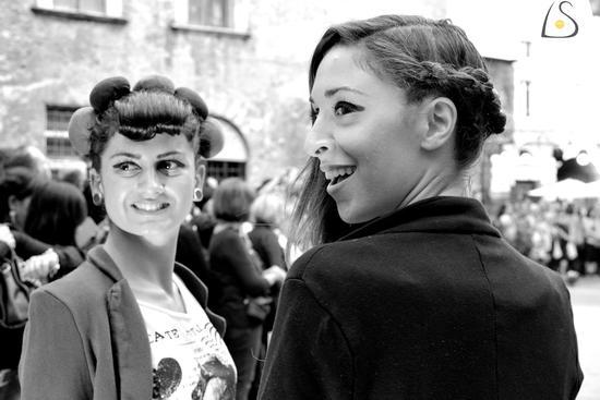 Sfilata moda in Piazza - Tivoli (834 clic)