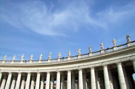 San Pietro Il colonnato del Bernini - Roma (4158 clic)