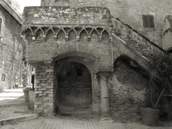 Tivoli Casa Gotica (3634 clic)