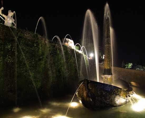 Villa d'Este: fontana della Rometta - Tivoli (3068 clic)