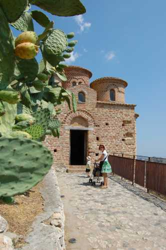 visita alla cattolica - Stilo (2506 clic)