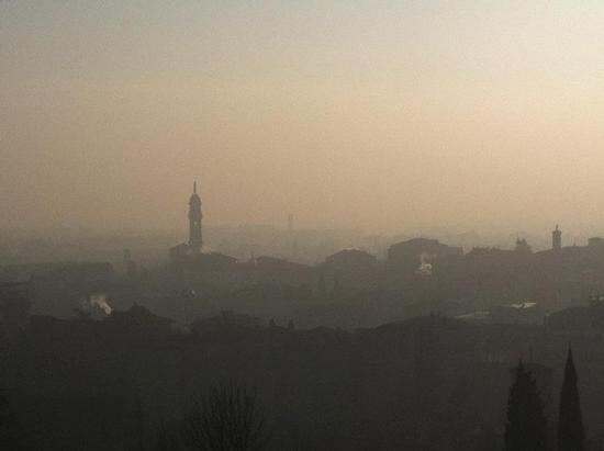 foschia sulla città - Bergamo (1625 clic)