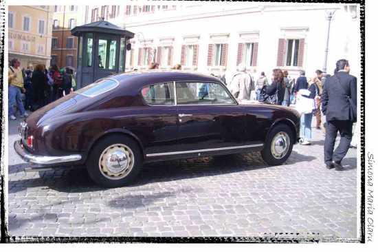 Una bella macchina  2 - Roma (1373 clic)