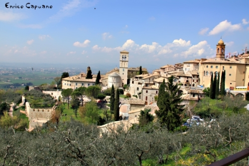 Assisi by Enrico Capuano (1975 clic)