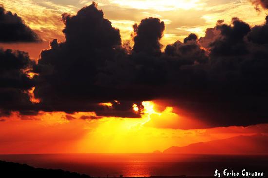 Tramonto spettacolare - RAVELLO - inserita il 12-Oct-10