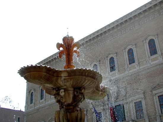 Piazza Farnese - Roma (2291 clic)