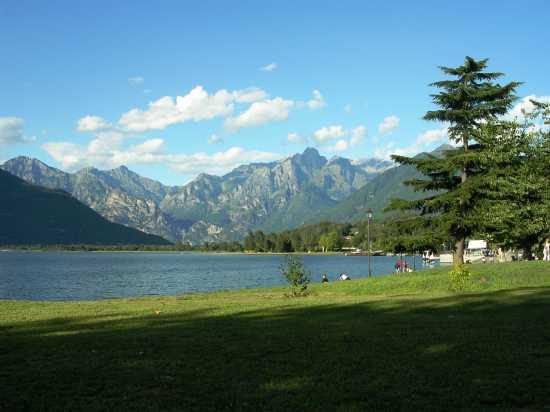 Ai piedi delle Alpi - Colico (5102 clic)