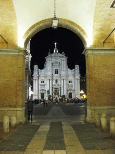 La Basilica - Loreto (2746 clic)