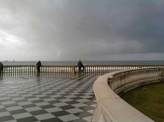 A Natale la pioggia il mare - Livorno (2554 clic)