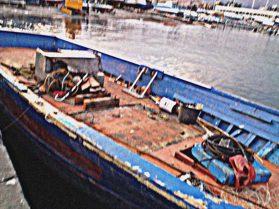 Barcone di migranti porto di Riposto (2400 clic)
