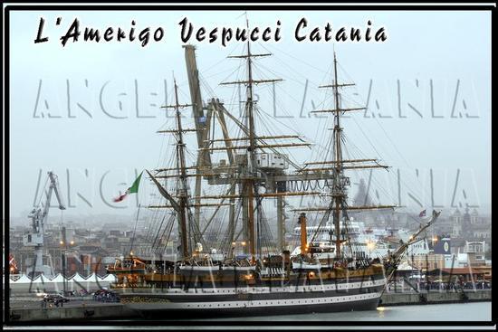 La storia nella nebbia - Catania (2238 clic)