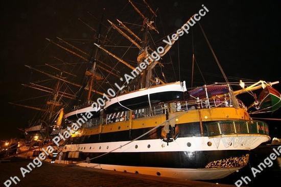 Un'opera d'arte notturna - Catania (2392 clic)